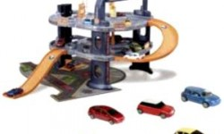 Игрушки для мальчиков: вертолеты, гаражи, автотреки